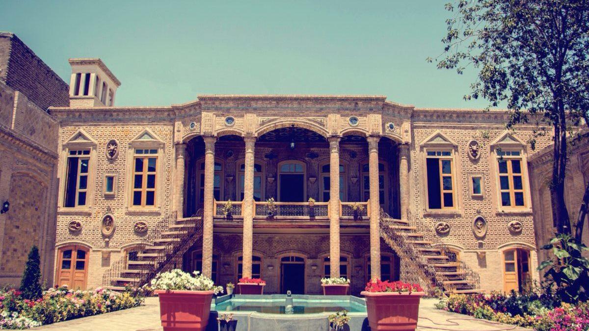 ویژگی ها، سبک معماری و تاریخچه خانه داروغه مشهد
