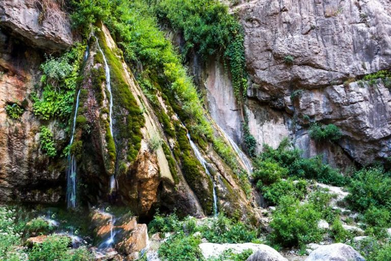 معرفی دره آبشار اخلمد